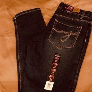 Girls NWT jordache  Jeans Size skinny 14 slim